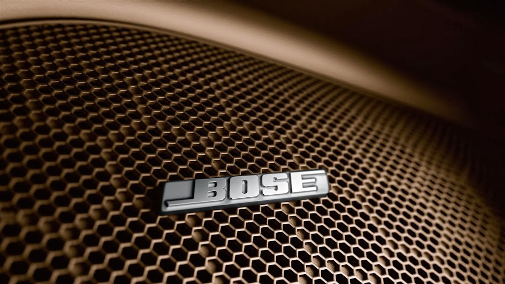 2014-Porsche-Cayenne-Platinum-bose