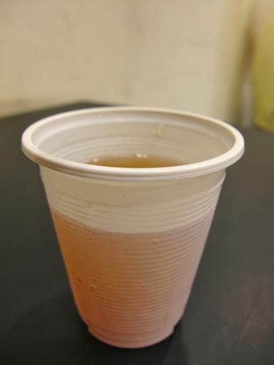 店家提供冬瓜茶無限暢飲-攬人小館台中蛋包飯