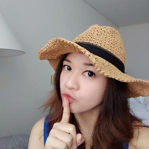 Mia Yang Photo 28