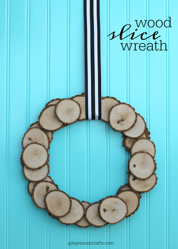 mine Wood Slice Wreath tutorial #gingersnapcrafts #woodslice #wreath