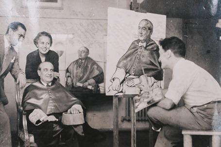 Bastid bromea con Luis Jiménez de Asúa mientras le pinta su retrato. Foto ARCHIVO FAMILIA BASTID