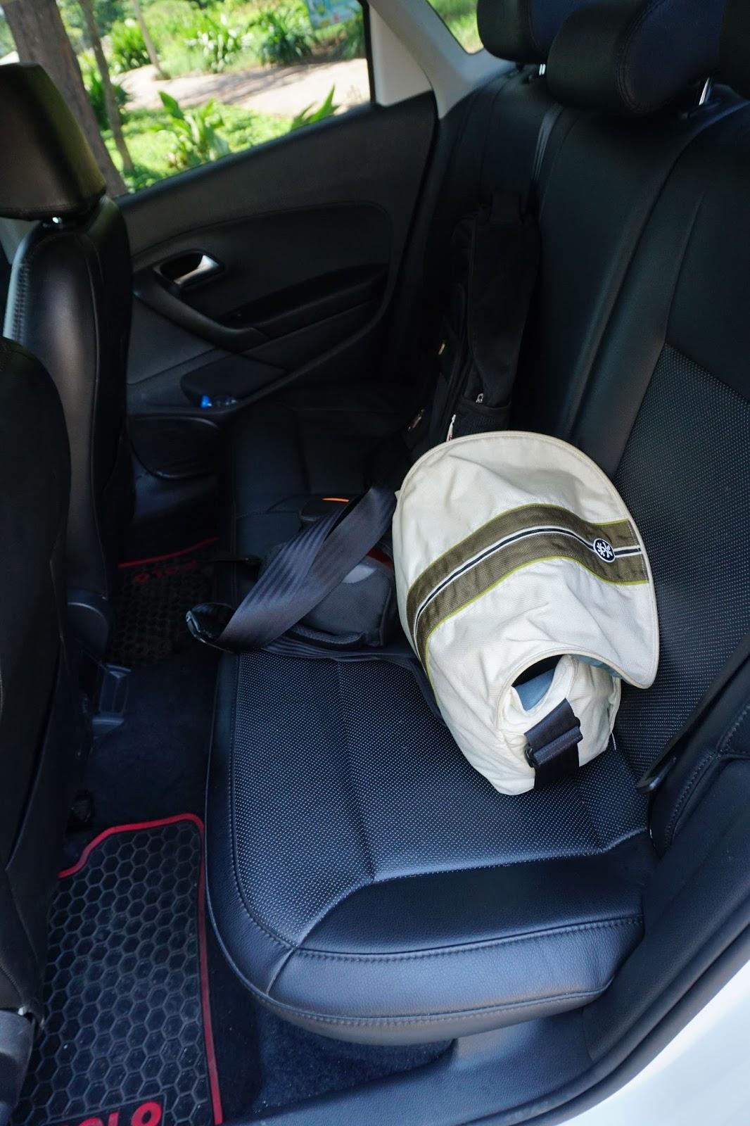 Hàng ghế sau của Polo ngồi thoải mái, êm ái trên những chặng đường dài