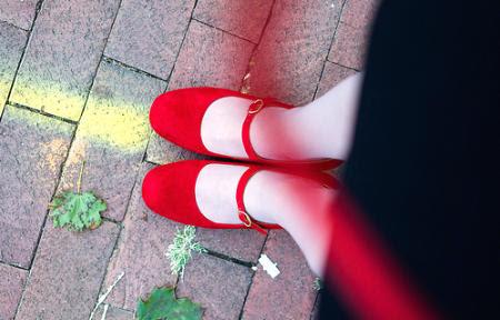 เลือกรองเท้าให้เหมาะสม, ดูแลเท้าให้สวย