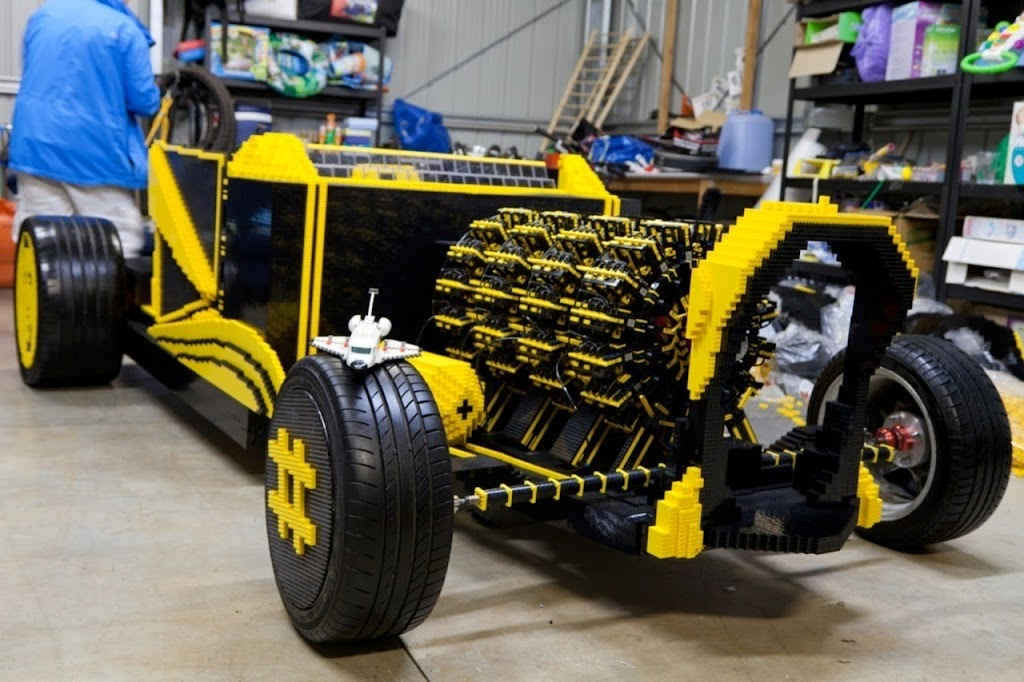 Super Awesome Micro Project Lego Car 22