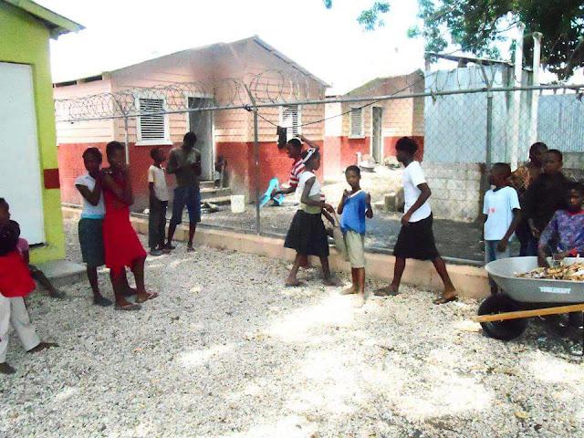 Denuncian que la poderosa Banda Azabache mantienen en zozobra el distrito municipal de Batey 6