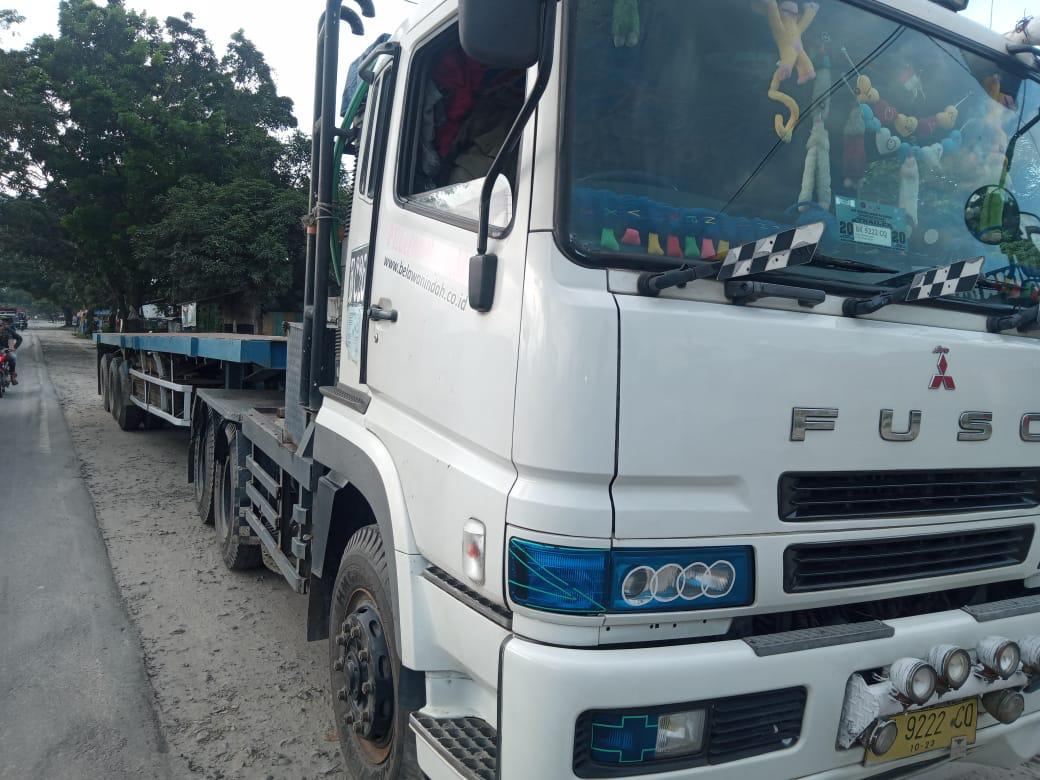 Kecelakaan sepeda Motor dengan Truk Trailer di KM 57 - 58 Medan Tebing Tinggi