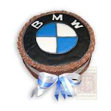 47. kép: Formatorták (fiúknak) - BMW feliratos torta