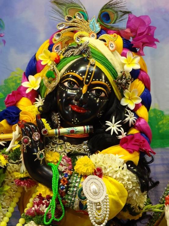 ISKCON Nigdi Deity Darshan 18 Dec 2015 (22)