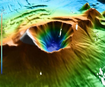 Ηφαίστειο Κολούμπο : Ενεργειακός θησαυρός στον βυθό της Σαντορίνης