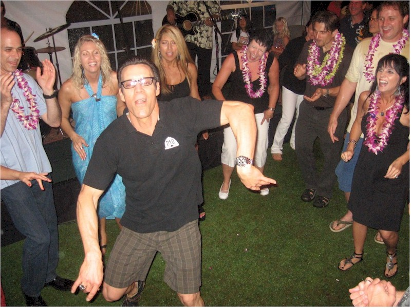 Tony Horton Dancing Hawaii P90x, Tony Horton