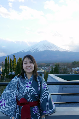 At the rooftop of our ryokan Wakakusa no Yado Maruei with Fujisan only 30 km away