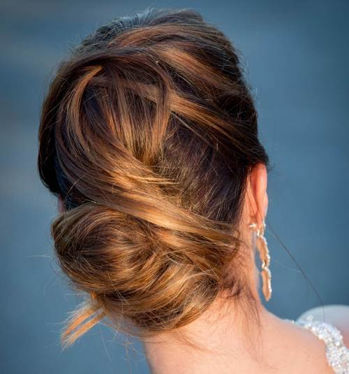 The Trendy Bun Hairstyles For Casual And Formal In Current Year 2017 5
