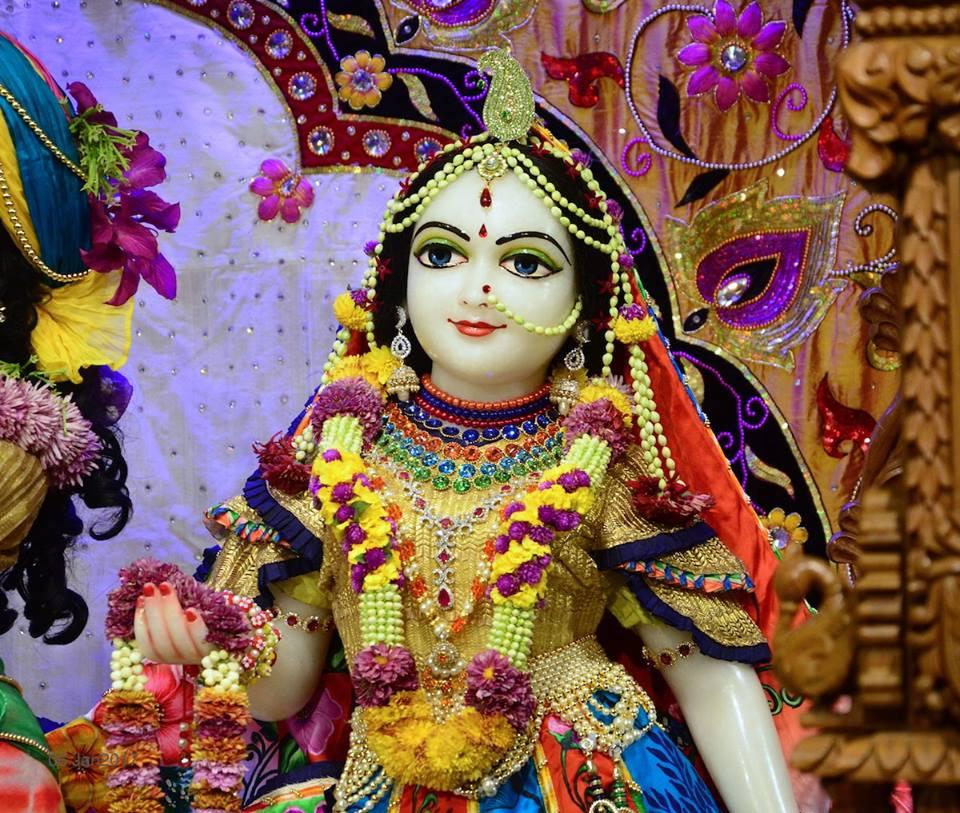 ISKCON GEV Deity Darshan 06 Jan 2017 (19)