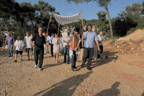 Relocating Torah Scrolls 2012  - DSC_1529.JPG