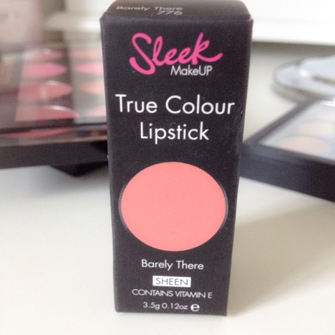 sleek true colour lipstick in barely there
