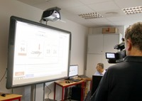 Lutz Rose von der Integrierten Regionalleitstelle Zwickau erläutert Anleitung zur Reanimation 1