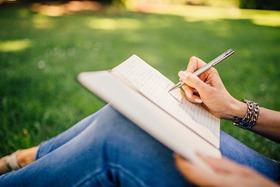 Leia romances brasileiros escritos por mulheres