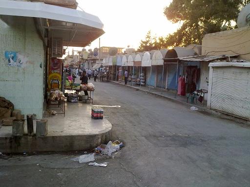 بلدية الشعب في الدرباسية : لا يوجد مازوت لتشغيل الاليات لجمع ونقل القمامة من الشوارع!!