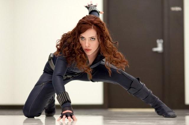 Scarlett Johansson como Viuda Negra