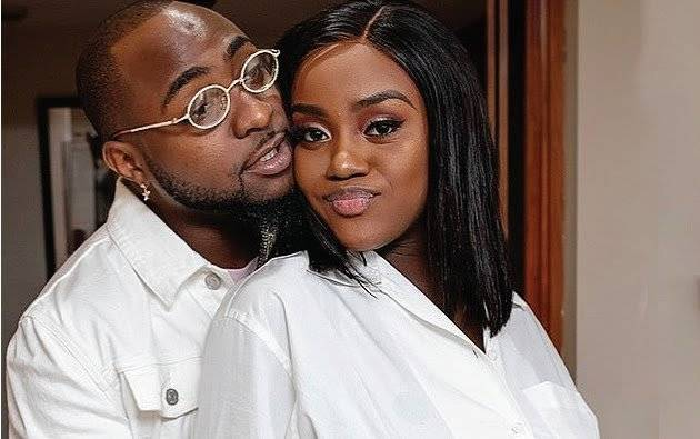 Davido apologize to his fans as he destroy his Bentley due to what's going on between him and Chioma