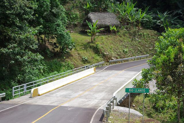 Pont sur le rio Llanito, route de Santa Fe à Guabal, 300 m (Veraguas, Panamá), 29 octobre 2014. Photo : J.-M. Gayman