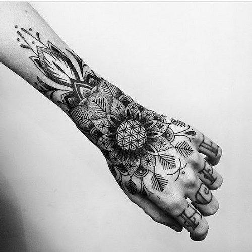 mao_tatuagens_mais_legais_projetos_do_tattoo_33