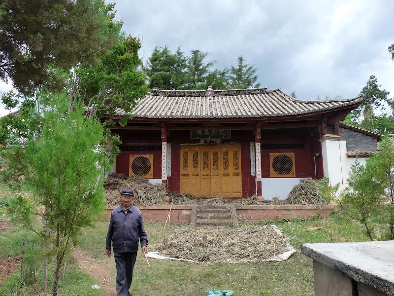 Il veille sur ce temple Taoiste