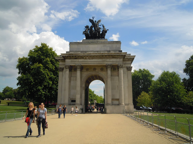 Wellington Arch. From Important and Little-Known London Memorials and Statues