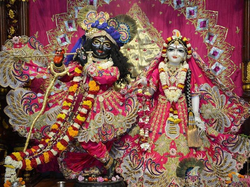 ISKCON Ahmedabad Deity Darshan 12 Mar 2016 (2)