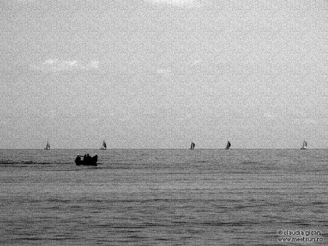 2 Mai. barci pe mare