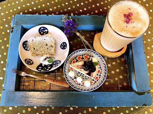 甜點、環境、都很好拍☺️ 下午茶套餐還有送乾燥小花💐