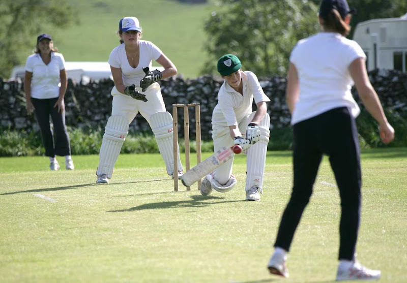 Cricket-Ladies3