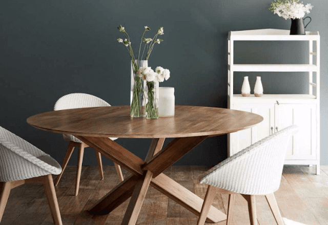 Decorate a Minimalist Dining Room