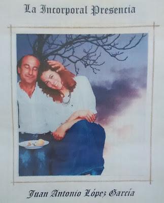 Imagen de Juan Antonio y Susan recostada en su hombro
