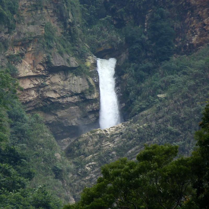 Puli  en passant , entre autres, par les villages de l ethnie Bunum de Loloko et Dili. J 10 - P1170013.JPG