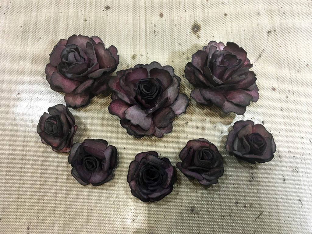 [15+Shabby+and+Small+Dark+Roses+Complete%5B4%5D]