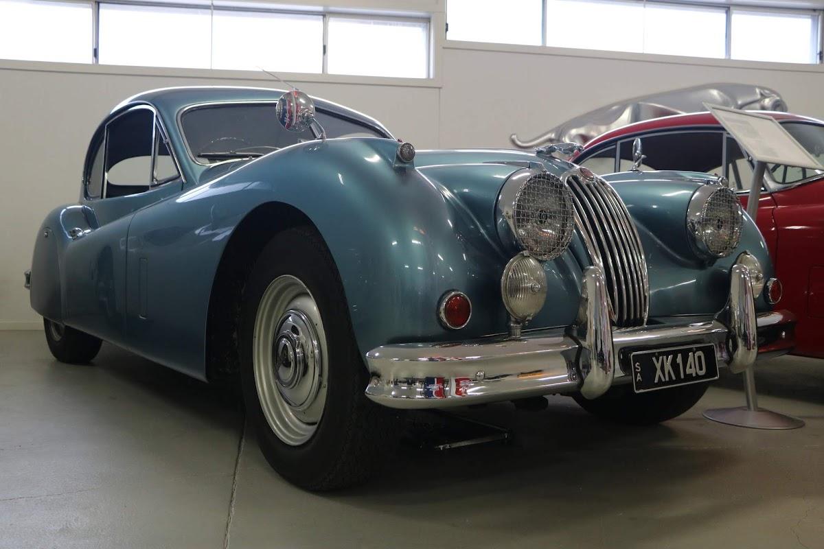Carl_Lindner_Collection - 1953 Jaguar XK140 Coupe 08.jpg