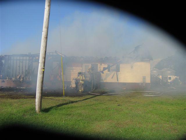 House fire Lynchburg Rd Mutual Aid to Williamsburg Co. Fire 001.jpg