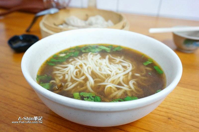 梧棲小吃推薦,民生蒸餃牛肉麵-6