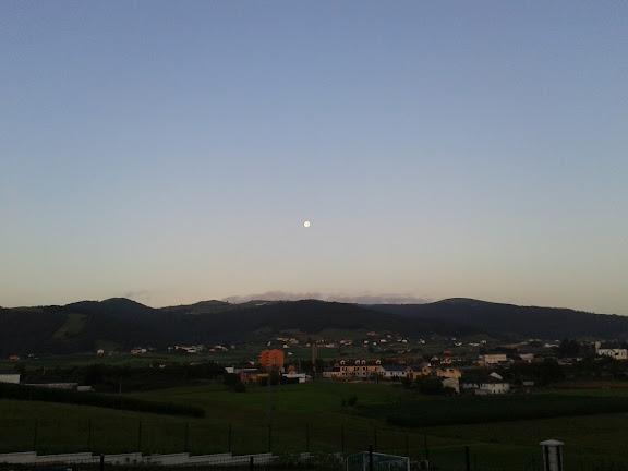 luna en la amanecida del 03 de agosto, 2012