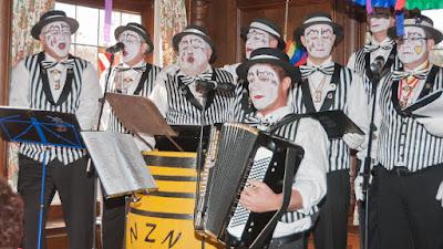 Einmal mehr ein Glanzlicht der Neuenburger Narrensuppe: Die BNZ-Clownerie aus Freiburg.