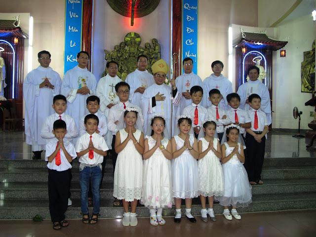 Hình ảnh lễ Thêm Sức và Rước Lễ lần đầu của các em trong Giáo xứ Khiết Tâm