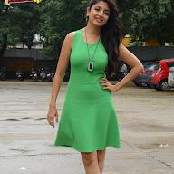 Poonam Kaur New Pics