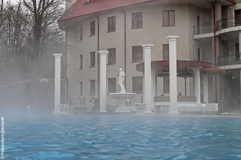 открытый бассейн у Белогорье