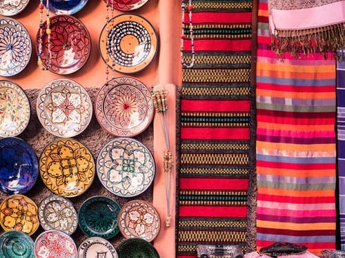 Hanging plate and rugs Marrakech