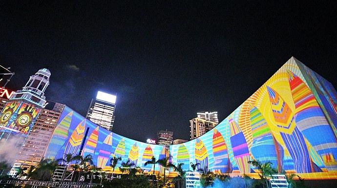 9 香港 閃躍維港 3D光雕匯演