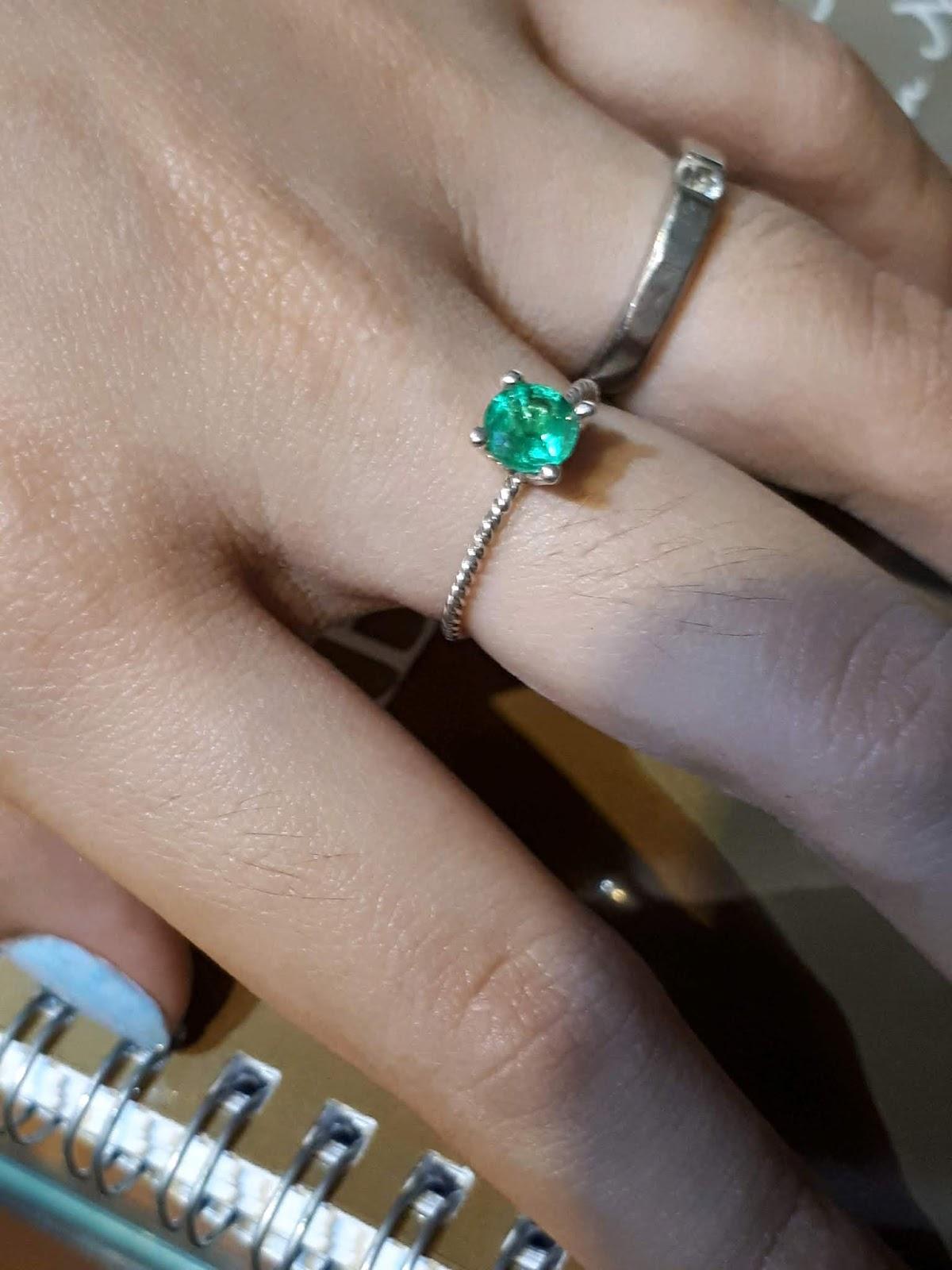 Nhẫn Ngọc Lục Bảo nữ vàng trắng