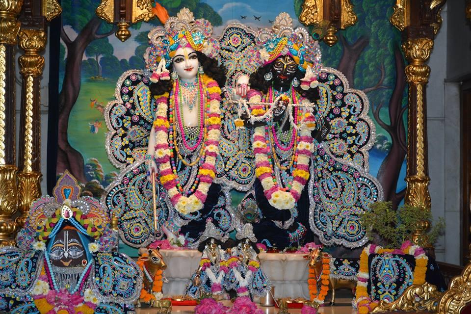 ISKCON Ujjain Deity Darshan 05 April 2016  (4)