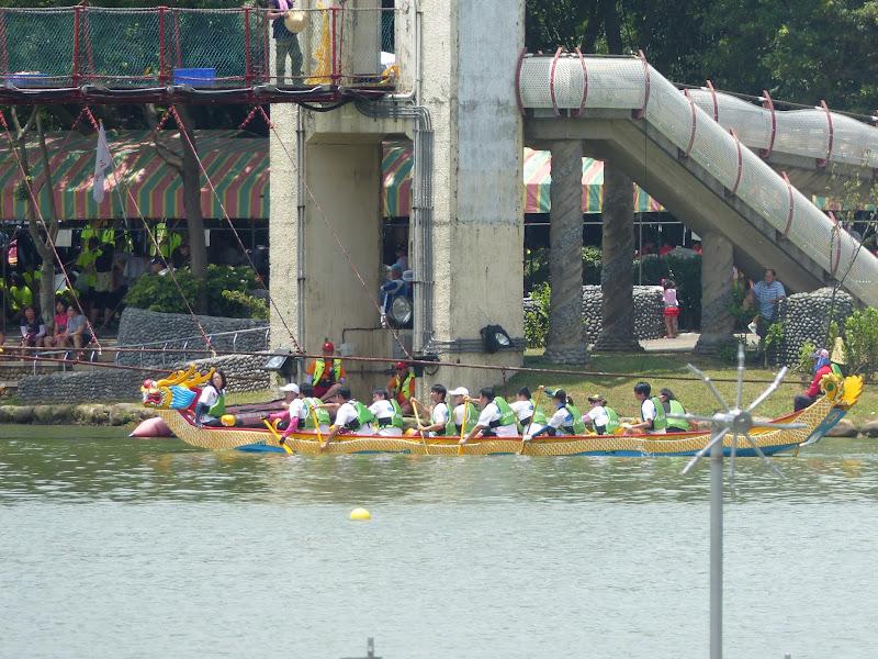 Dragon boat festival à Longtan ( Taoyuan) - dragonboat%2B047.JPG