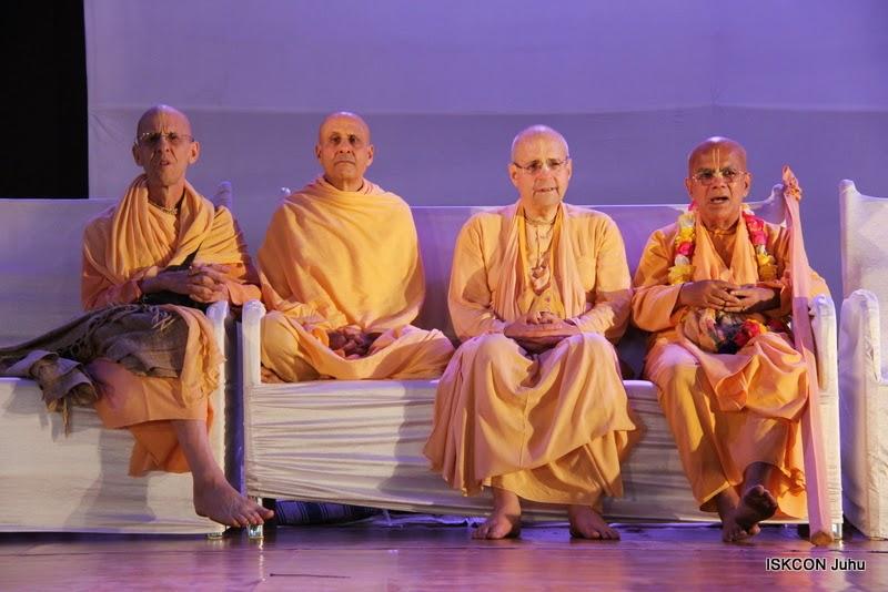 iskcon juhu rath yatra 2015 (37)